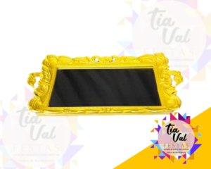 Foto de Bandeja de plastico amarela espelhada c/ alça