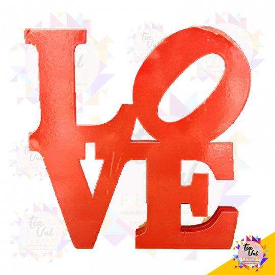 LOVE VERMELHO DE MADEIRA (EM PÉ)